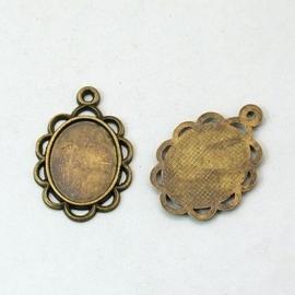 2 x Houder X: Cabochon-Camée houder  geel koper kleur. Binnenzijde: c.a. 14 x 18mm