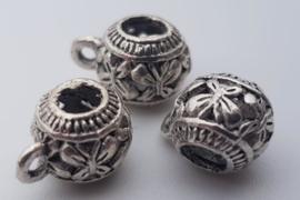 1x Tibetaans zilveren bails hanger 11 mm x 7,1 mm oogje: 1,6 mm rijggat: 3,5 mm