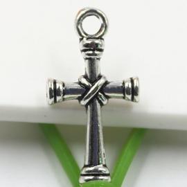 5 x Tibetaans zilveren bedeltje van een kruis 11 x 21 x 3mm