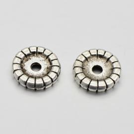 1 stuks  metalen spacer kraal disc 10 x 2mm gat c.a. 2mm Antiek zilver