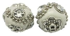 Schitterende handgemaakte Kashmiri kraal 18~20mm wit ingelegd met metaal & strass