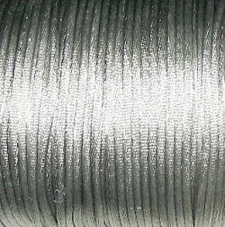 1 meter satijnkoord van ca. 2 mm dik,  zilver