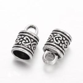 Tibetaans zilveren koordkapjes 16 x 10mm oogje: 4 x 3 mm