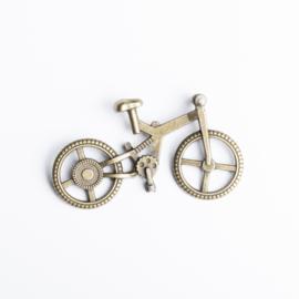 2x bedel van een fiets 50 mm x 28 mm geel koper kleur
