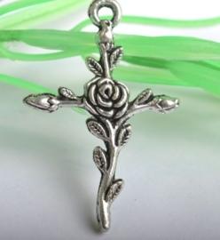 Tibetaans zilveren kruisje met roos 30x23mm