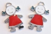 2 x  metalen hanger meisje met rood/witte epoxy 22 mm