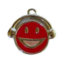 Rode Epoxy lachende gezichtje 25  x 23.5 x 2.5mm oogje: 1.8mm