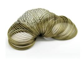 Memory Wire voor armbanden 55 mm geel koper kleur 40 wendingen, draad dikte 0,6mm