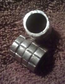 2x antiek zilveren bewerkte doorschuifbare ring 14 x 11 mm doorsnee 7 mm
