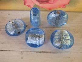 1x Blauwe Zilverfolie kraal ca. 25 x 21 x 9.5mm  Oogje: 1,2mm