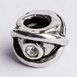 Be Charmed kraal zilver met een rhodium laag (nikkelvrij) c.a.9x 7mm groot gat: 4mm