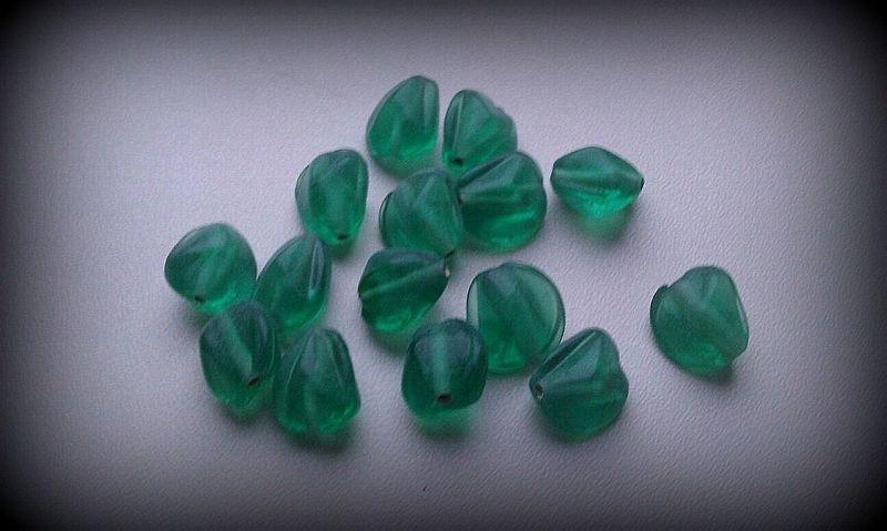 10 Stuks Glaskraal grillig groen 13 mm