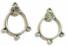 Per stuk antiek zilveren metalen hanger met 3 oogjes 21 mm