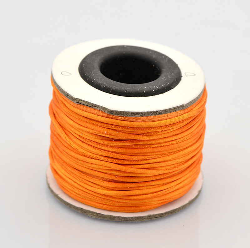 Rol met 30 meter satijn koord Nylon Marcramé koord 1mm kleur orange