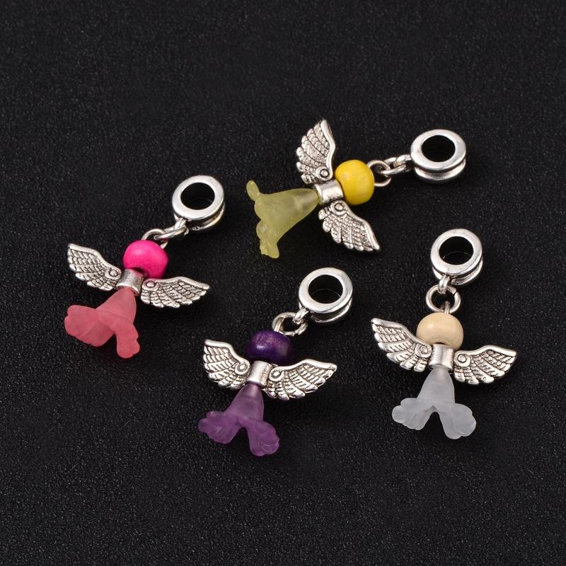 4 engeltjes aan een bails mixkleuren 34 x 21 x 11mm Gat: 5mm (op is op!)
