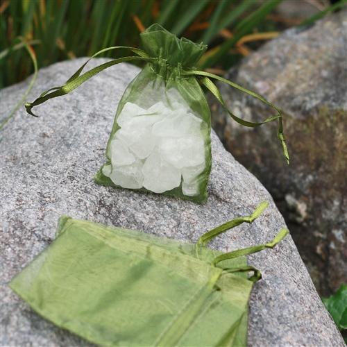 c.a. 100 stuks organza zakjes 7x9 cm lime groen