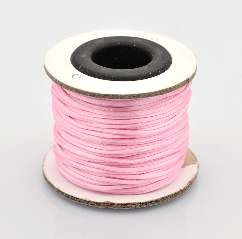 Rol met 30 meter satijn koord Nylon Marcramé koord 1mm kleur pearl pink
