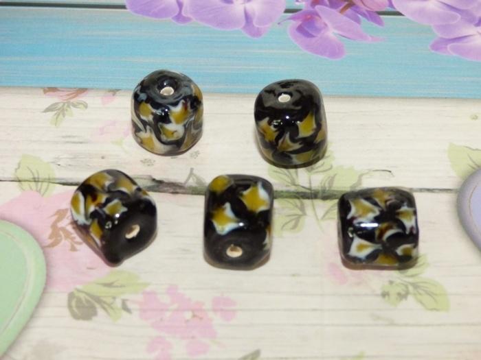 5 x High Quality Glass Hand Made Bead 119 afm. ca. 11 x 13mm