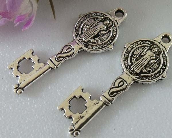 4 x Tibetaans zilveren sleutel 33x12mm