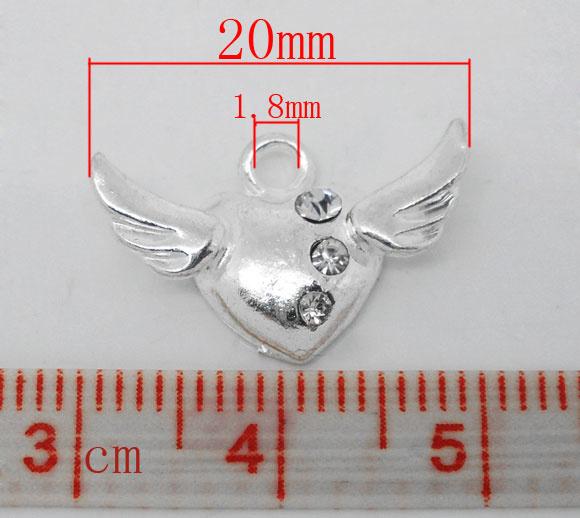2 x Prachtig verzilverd  hart met vleugels en strass steentjes 20 x  13mm