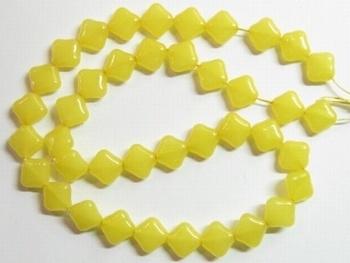 10 stuks prachtige vierkante kralen van melkglas 10 x 10 x 5mm Geel