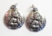 4 x Antiek zilveren metalen hanger rond met engel 16 mm
