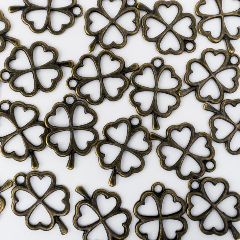 10x Geelkoperen bedel van een klavertje vier 24 mm x 17 mm