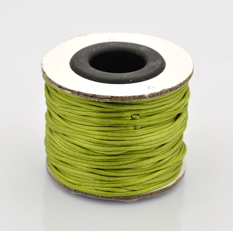 Rol met 30 meter satijn koord  Nylon Marcramé koord 1mm kleur yelow green