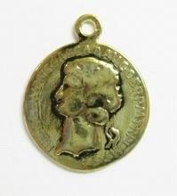 2 stuks Antiek gouden metalen hanger Munt  33 mm