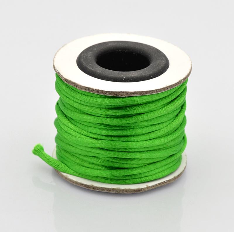 Rol met 10 meter satijn koord Nylon Marcramé koord 2mm kleur Green
