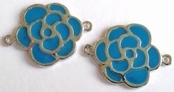 Per stuk Antiek zilveren metalen tussenzetsel bloem met blauwe epoxy 30 mm