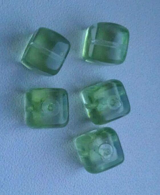 10 x glaskraal kubus 8 mm lime groen transparant