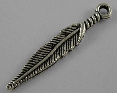 10 stuks Tibetaans zilveren bedeltje van een veer 5 x 29mm gat: 2mm