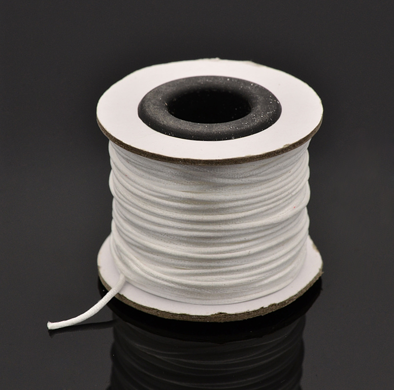 Rol met 30 meter satijn koord Nylon Marcramé koord 1mm kleur white