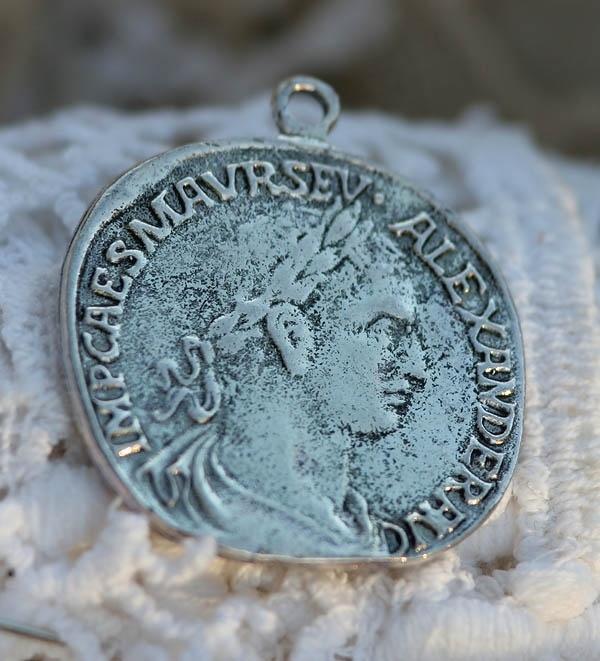 Grote Tibetaans zilveren vintage munt 35 x 31 x 1,5mm Gat 2mm Antique zilver
