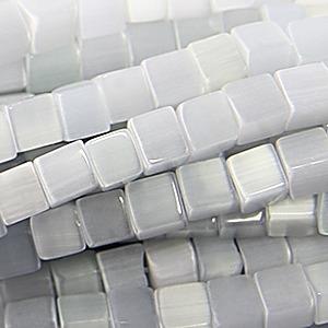 Per stuk Glaskraal kubus cate-eye 8 mm licht grijs