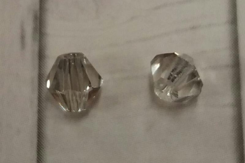 30  x Preciosa Kristal Bicone heel licht grijs transparant ca. 4 mm Gat: 1 mm