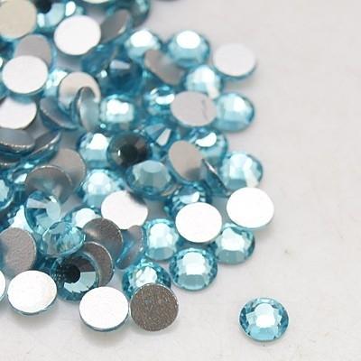 20 stuks (bijvoorbeeld geschikt als tand - nagel) kristallen 1.8mm  Aquamarine