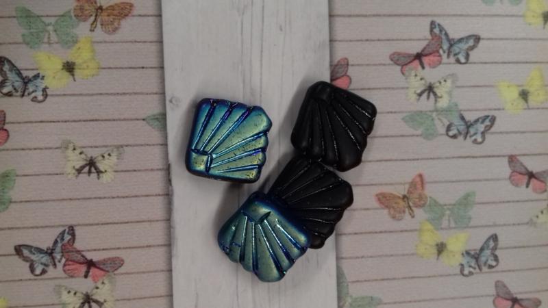 10 x Glaskraal waaier zwart olie-glans 18 mm