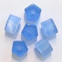 10 x Glaskraal hoekig blauw met satijn-glans 11 mm