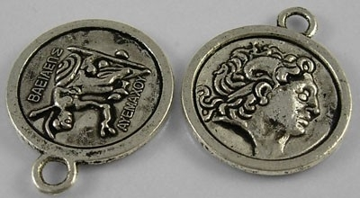 2 x Tibetaans zilveren munt 24,5 x 20,5 x 2,5mm gat 3mm