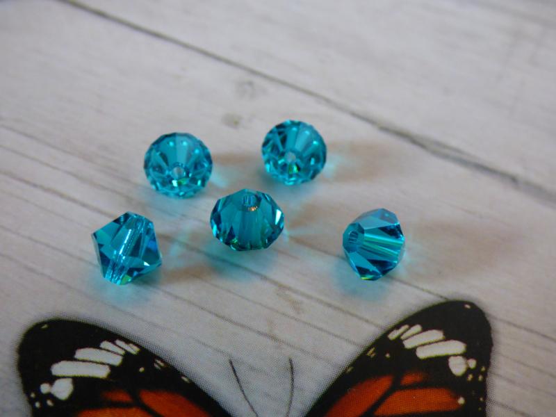 10 x Preciosa Kristal Bicone 6mm  gat: 1mm
