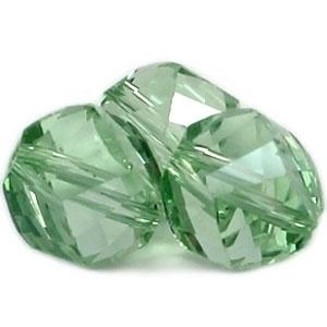 10 x Top helix vorm 10 mm facetkraal Light green (licht groen)