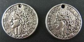 4 x Tibetaans zilveren muntje 18,5  x 18,5 x 1mm