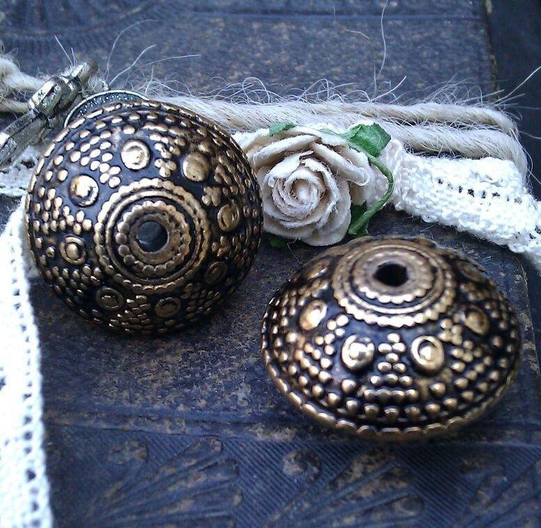 4 x  prachtige Tibetaans gouden metallook kunststof kraal 20 x 13 mm, Gat: 2 mm
