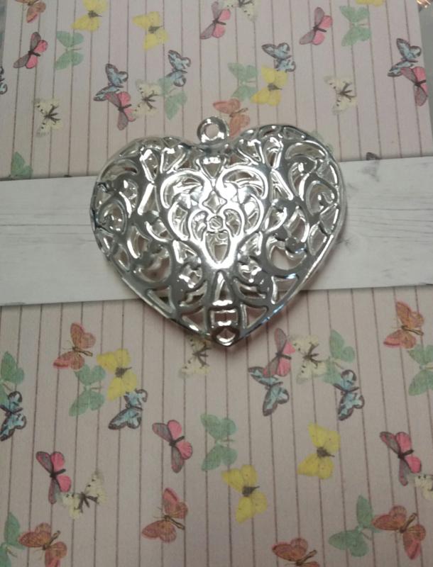 per stuk metalen hanger filigraan hart verzilverd 55 mm
