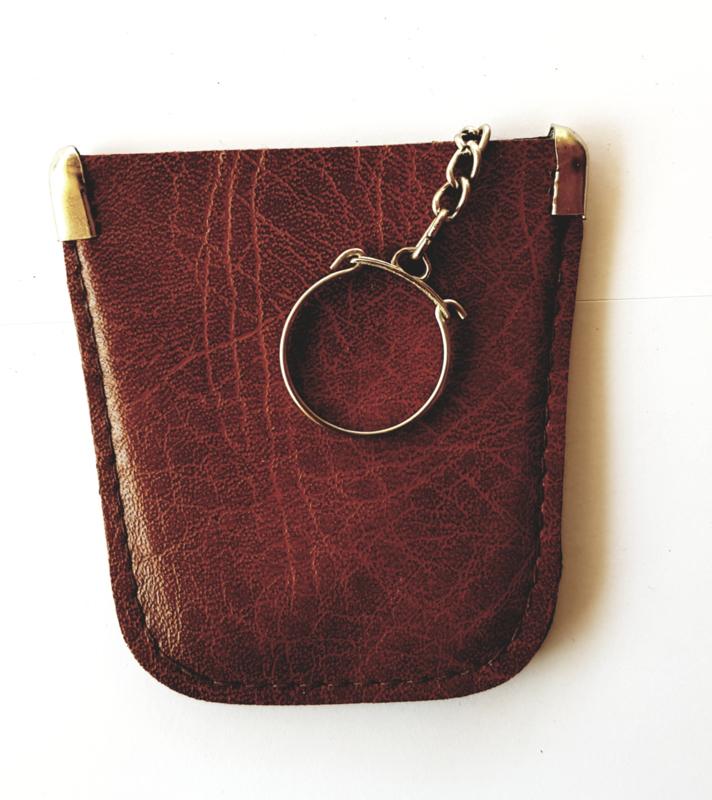 Sleutel etui - faux leder kleur donker bruin  model A