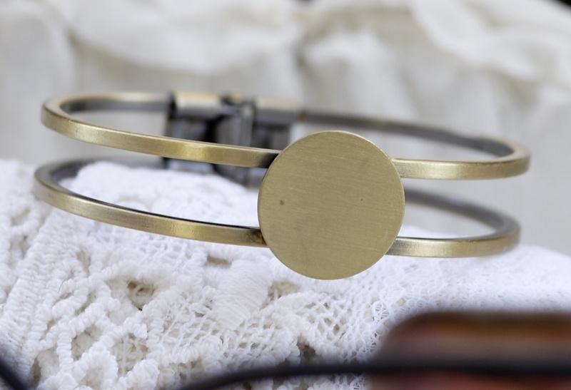 Messing cuff armband 44 x 61,7 x 13 mm rond plaatje 20mm geel koper kleur