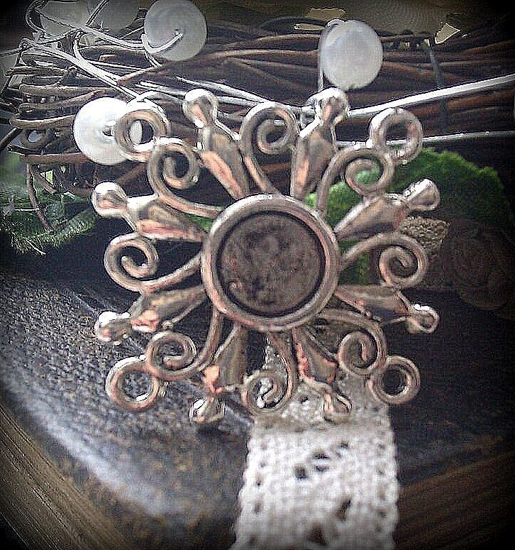 Per stuk zilver kleurige metalen hanger/tussenzetsel 24 mm