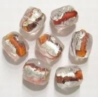 Per stuk Indiase glaskraal grillig rond oranje/zilverfolie 10 mm